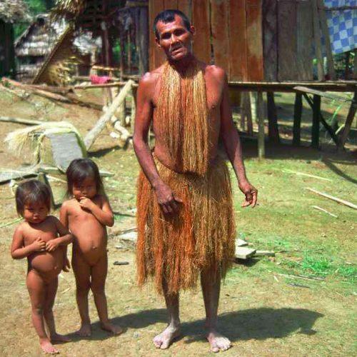Indios dell'amazzonia peruviana