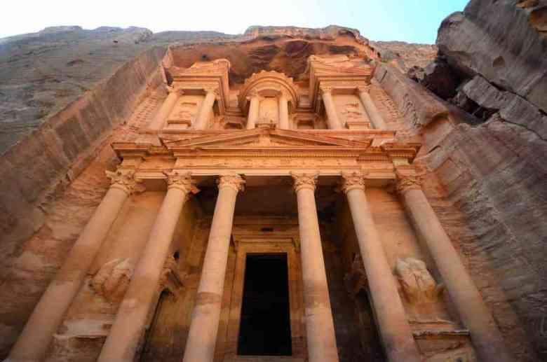 Photo of Petra: l'antica città della Giordania scavata nella roccia