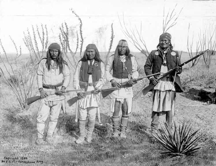 indiani apache foto