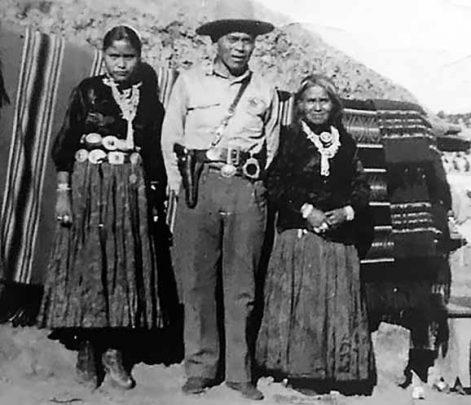 5 Navajo-police