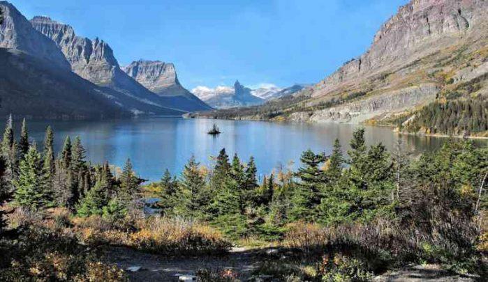 3Rocky Mts. lake